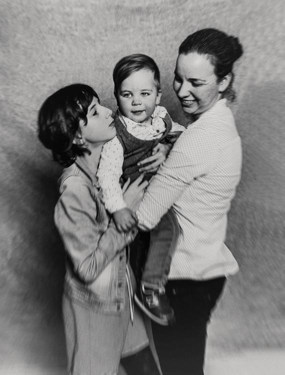 Judith Dapperen met dochter Lois en zoon Niels